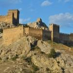 Крепость в Судаке со стороны