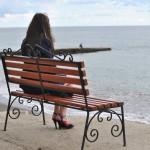 Фотосессия в Судаке на скамейке