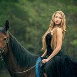 Фотосессии в лесу на лошади